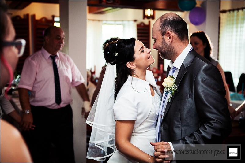 Svatební fotograf - Bruntál (114)