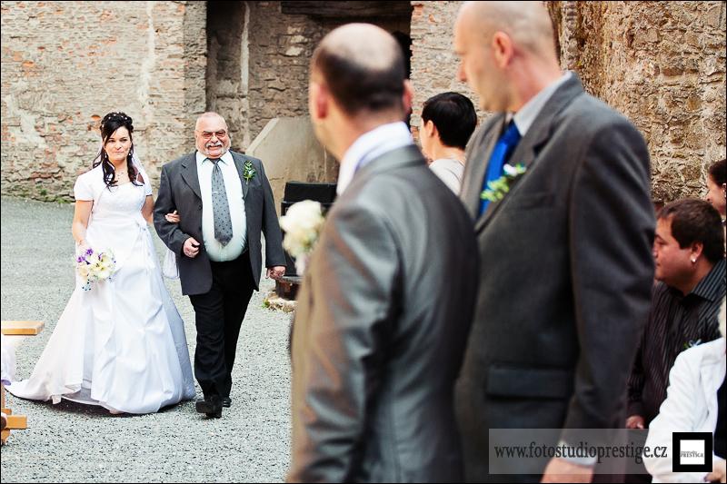 Svatební fotograf - Bruntál (42)