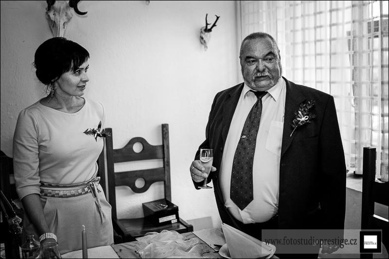 Svatební fotograf - Bruntál (77)