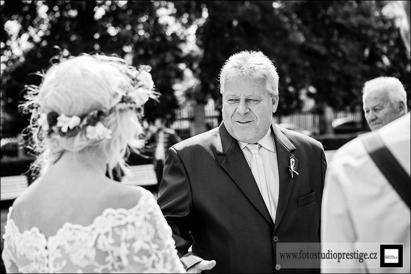 Svatebni fotograf Bruntál (57)
